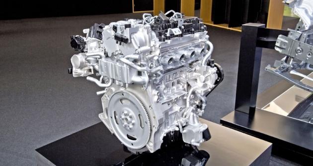 Motor Skyactiv-X je vyvíjen jako čtyřválec sobjemem dvou litrů. Po dokončení vývoje byměl nabízet výkon 140 kW (190 k)