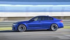 BMW M5 jsme testovali nejen na běžných silnicích, ale také na závodním okruhu Estoril
