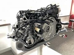 Přeplňovaný plochý čtyřválec verze GTS vychází zverze 2,5 litru použité ve verzi S