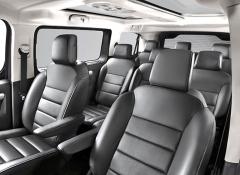 Prostornost a variabilita interiéru jsou silnými stránkami typu SpaceTourer. Tři řady sedadel může mít i nejkratší verze sdélkou 4,6 metru