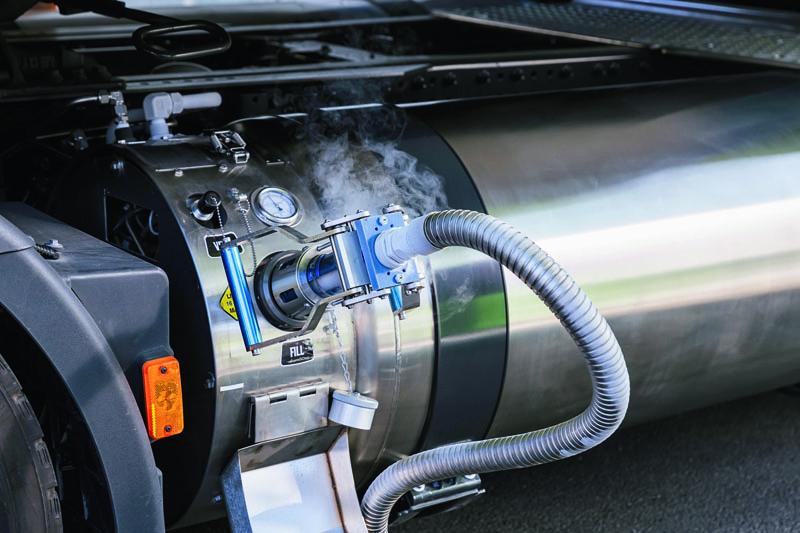 """Nádrž veformě """"termosky"""" pro LNG."""