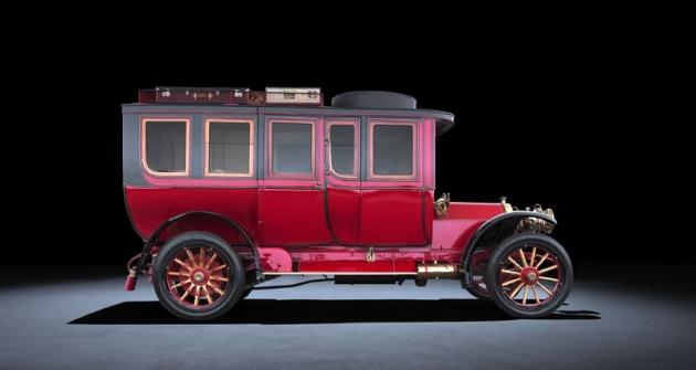 Mercedes-Simplex 60 HP, první velký vůz s motorem o objemu válců přes devět litrů (1904)
