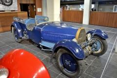 Šasi 001 Sans Choc z roku 1931. Chladiče vozů Lambert se podobaly Bugatti