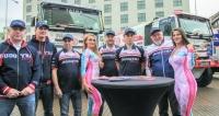 Tatra Buggyra Racing Team nasadí dorallye Dakar 2018  dva ostré soutěžní speciály  Tatra Phoenix sposádkami  Martina Kolomého  aMartina Šoltyse.