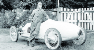 """Ferdinando Minoia, mezi přáteli znám jako """"Nando"""", dobyl vesvé dlouhé jezdecké kariéře historicky první titul evropského šampióna. Kuriózně se jím stal vroce 1931 bez jediného vítězství  vzávodě oVelkou cenu."""