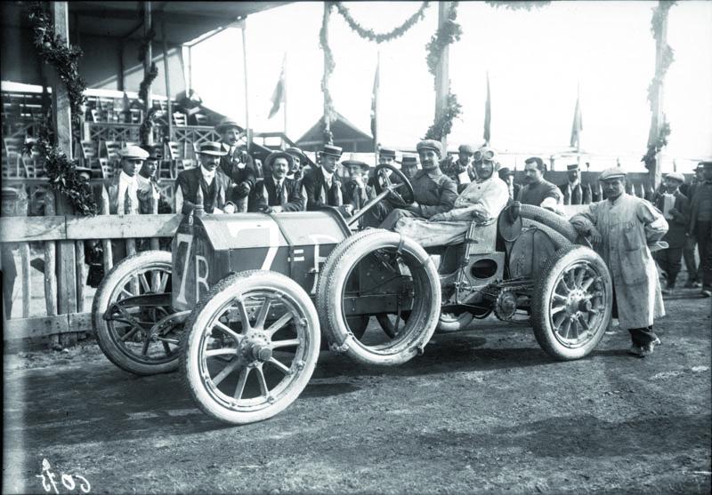 Vevoze Isotta-Fraschini vroce 1908 naTarga Florio.