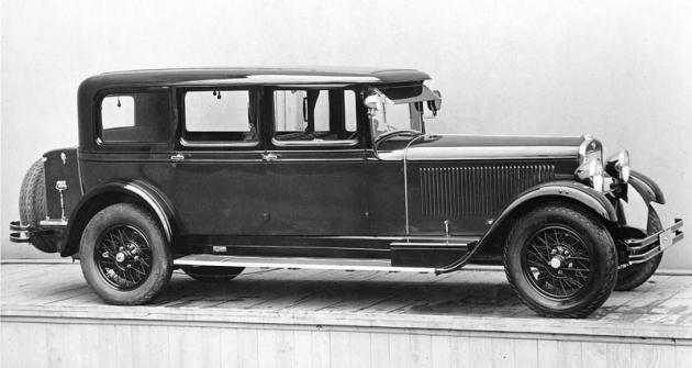 Limuzína Škoda 860, představená koncem října 1929 na pražském autosalonu