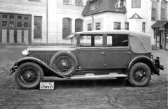 Čtyřdveřový kabriolet Škoda 860 karosovaný firmou Petera ve Vrchlabí (1930)
