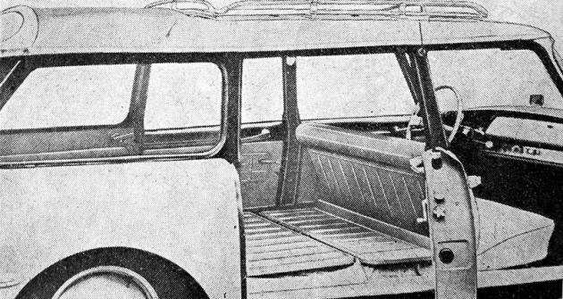 Pohled do interiéru vozu Citroën ID 19 v praktickém provedení Commerciale se zcela rovnou ložnou plochou, umístěnou v celé její délce jen 520 mm nad rovinou vozovky