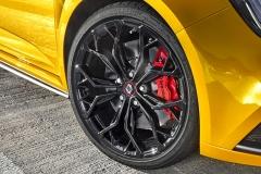 Přední brzdy mají o15 mm větší průměr než dosud abrzdiče Brembo