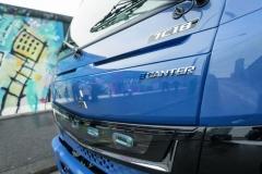 FUSO eCanter má na jedno nabití akumulátorů dojezd okolo 100 kilometrů – logistika rozvozu zakázek tak musí být zpracována do všech detailů.