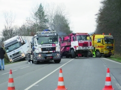 Dopravní nehody nákladních vozidel patří ktěm nejhorším zhlediska újmy namajetku.
