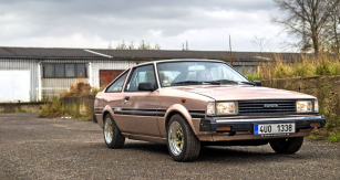Corolla čtvrté generace se vyráběla vrůzných karosářských verzích, přičemž kupé je z nich nejvzácnější. Tento konkrétní vůz byl vyroben v roce 1982