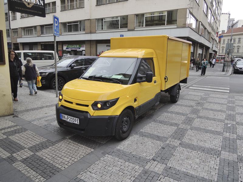 Speciál Deutsche post StreetScooter ve zkušebním provozu u České pošty v Praze