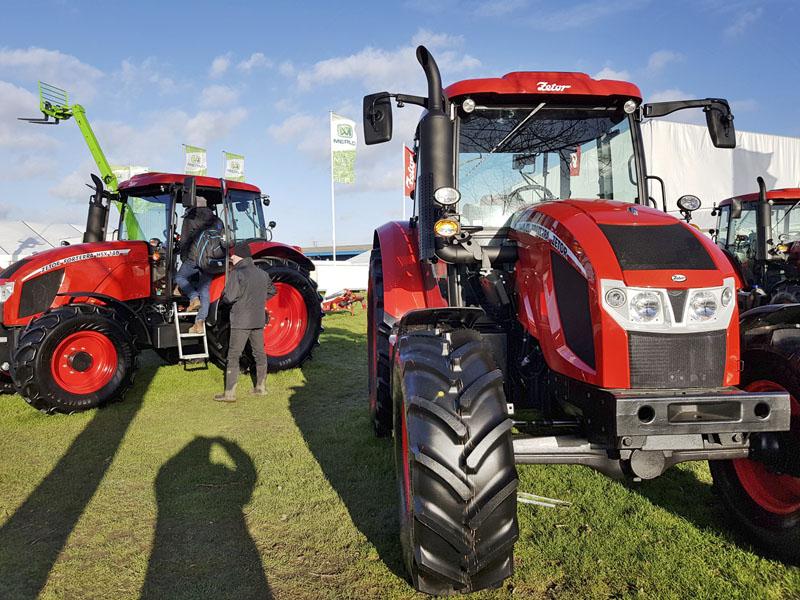 Traktory Forterra
