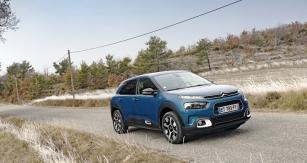 Modernizovaný C4 Cactus designem přídě zapadá mezi ostatní soudobé Citroëny