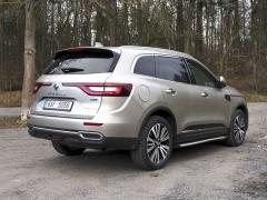 Tvarování zadní části tohoto mohutného SUV nenechá nikoho na pochybách opříslušnosti k značce Renault