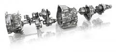 Typická technika aktuálních modelů Subaru: (zleva) hydrodynamický měnič, přední diferenciál, bezestupňová převodovka, elektronicky ovládaná lamelová spojka, rozvodovka