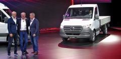 Dieter Zetsche, Volker Mornhinweg, Florian Martens a nový Sprinter při slavnostní premiéře