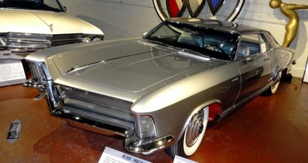Buick Silver Arrow I Concept XP810, předobraz legendárního luxusního kupé Riviera (1963)