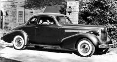 Buicky Eight z konce třicátých let jezdily také v Československu (Century 1938)