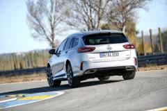 Provedení GSi je připraveno nejen pro karoserii liftback, ale také pro praktičtější kombi