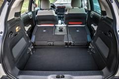Typ C3 Aircross nahrazuje malé MPV C3 Picasso. Proto více než u jiných malých crossoverů automobilka myslela také na praktickou stránku. Zadní sedadla jsou posuvná v rozsahu 150mm a nechybí ani dvojitá podlaha v zavazadlovém prostoru. Ten v základním uspořádání nabídne objem 410 až 520 litrů