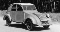 Jeden z prototypů TPV z roku 1939. Kvůli úspoře hmotnosti měl pouze jediný čelní světlomet