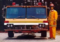 Model L-1838 s motorem Detroit Diesel 8V-71 o výkonu 257 kW (350 k) a nízkou budkou pro hasičské nástavby (žebříky a plošiny)