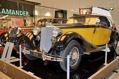 Mercedes-Benz 380 (W 22; 1933) se na světě dochoval jen asi v pěti kusech z 60 vyrobených. Pouhé dva vystrojili touto karoserií německé karosárny Bauer