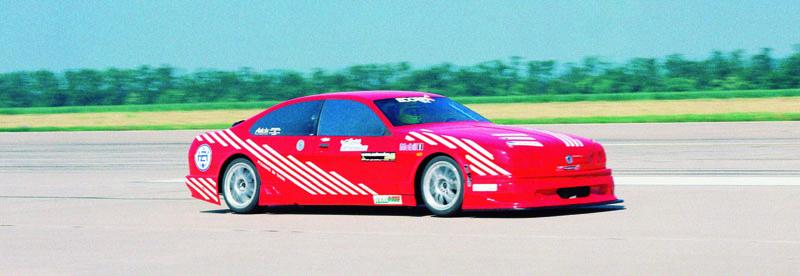 Nejrychlejší české auto všech dob sčeským motorem načeské půdě sčeským jezdcem zavolantem – Ecorra Sport V8 (1997) aDr.Vladimír Dolejš zavolantem, (foto: Milan Olšanský).