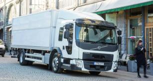 """Mimo """"tradiční"""" vznětové motory jsou v nabídce pro pohon vozidel Volvo FE se sníženou kabinou také motory plynové."""