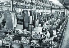 Odroku 1957 vyrábí DAF vznětové motory pro nákladní vozidla vlastní konstrukce.