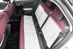Zadní sedadla jsoupohodlná azásluhou rozdělení v poměru 60:40 poskytují potřebou variabilitu vnitřního prostoru