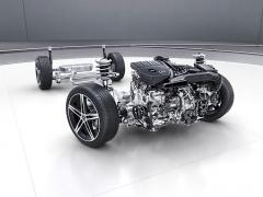 Zcela nově vyvinutá platforma MFA2 má motor uložený vpředu napříč a pohon předních kol. Standardem je zadní náprava s vlečenými rameny propojenými torzně poddajnou příčkou
