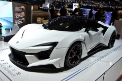W Motors Fenyr SuperSport (400 km/h, 0 – 100/200 km/h za 2,7/9,4 s). Vznikne 100 kusů