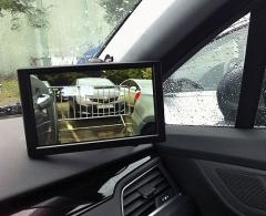 Ve Valeu aktuálně vyvíjejí například systém kamerových zpětných zrcátek