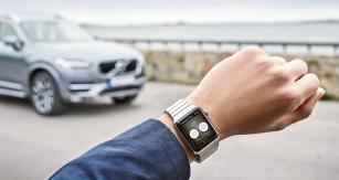 V rámci komunikace s telefonem mohou být součástí systému Volvo On Call také chytré hodinky