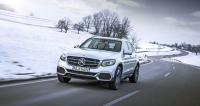 Mercedes-Benz GLC F-CELL, první automobil na světě kombinující palivové články s výkonným akumulátorem schopným dobíjení z vnějších zdrojů