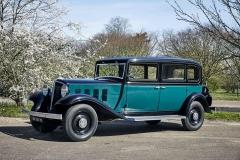 Naším největším zážitkem z oslav výročí značky Renault byla možnost řídit model Vivastella z roku 1933. Elegantní vůz pro vyšší vrstvy pohání šestiválec 3,2 litru (60 k)