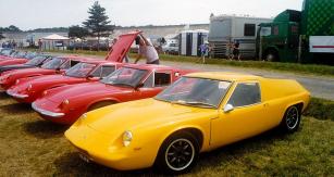 Lotus Europa (typ 46)  se sériovým čtyřválcem  z Renaultu 16, určený pro export na evropský kontinent (premiéra 1966)