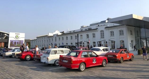S BMW M3 (E30) z roku 1990 jsme startovali s číslem 69. Soutěž končila před muzeem Škoda v Mladé Boleslavi