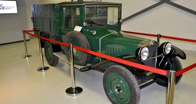 Technické muzeum v Brně zapůjčilo lehký, nezničitelný náklaďáček Z4/18 (výroba 1926 až 1930 v počtu asi 2000 kusů). S podvozky 4/18 jezdily sportovní i závodní automobily