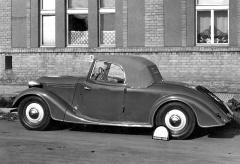 Solitér: roadster Tatra 57 B zhotovený v karosárně Uhlík v březnu 1940