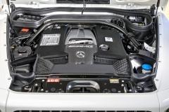 Motor AMG 4.0 V8 s dvojicí dvoukomorových turbodmychadel, umístěných mezi řadami válců, se používá v celé řadě dalších typů od třídy C po kupé a roadstery AMG GT. Je ručně skládaný jediným technikem, jehož jméno je vyryté na plaketě umístěné na plastovém krytu