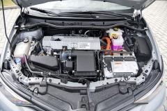 Hybridní soustava Toyota se spalovacím motorem, elektromotorem, generátorem aplanetovým soukolím ve formě děliče aslučovače výkonu
