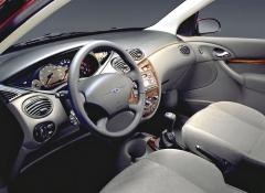 Pracoviště řidiče zaujme originálním vzhledem, ale téžznamenitou přehledností akvalitními materiály