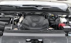 Vznětový čtyřválec s dvojicí turbodmychadel je klidným zdrojem více než dostatečné provozní dynamiky
