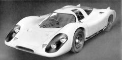 Porsche 917 v plné kráse na snímku z vzácného originálního prospektu, který stuttgartská firma Porsche vydala už v roce 1969