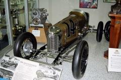 Trojnásobný vítěz Louis Meyer dobyl první vítězství na tomto voze Miller Special v roce 1928